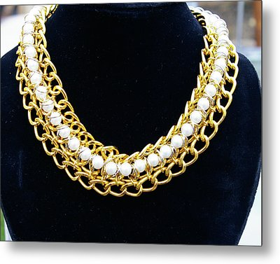 Pearls And Chains Metal Print by Susan Geluz