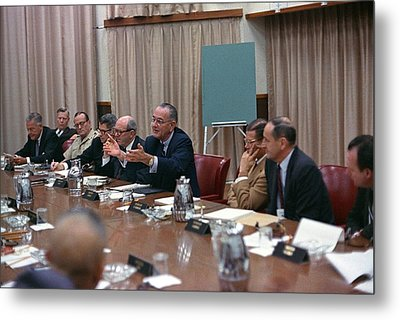President Johnson Meeting With The Us Metal Print by Everett