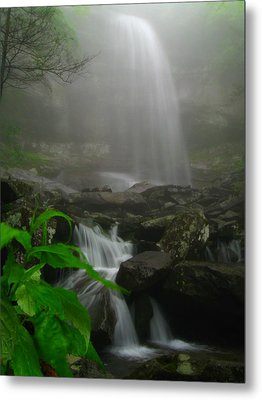 Metal Print featuring the photograph Rainbow Falls In Fog by Doug McPherson