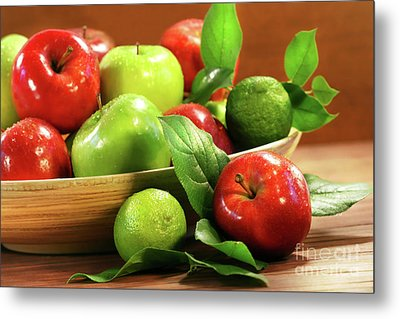 Red And Green Apples In A Bowl Metal Print by Sandra Cunningham