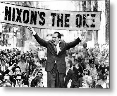 Richard Nixon, Delivering His The V Metal Print by Everett