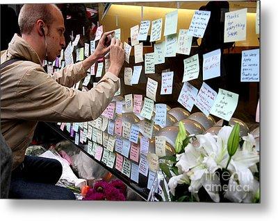 Rip Steve Jobs . October 5 2011 . San Francisco Apple Store Memorial 7dimg8576 Metal Print by Wingsdomain Art and Photography