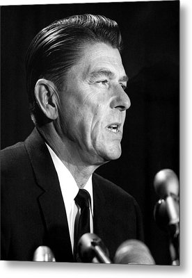 Ronald Reagan At A Press Conference Metal Print by Everett