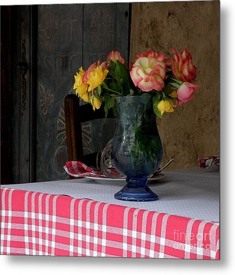 Metal Print featuring the photograph Roses In Blue Glass Vase by Lainie Wrightson