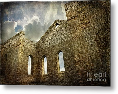 Ruins Of A Church In Ontario Metal Print by Sandra Cunningham