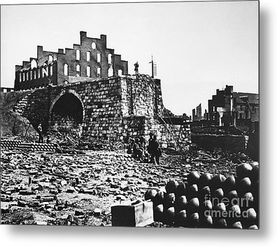 Ruins Metal Print by Photo Researchers