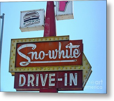 Metal Print featuring the photograph Sno-white by Beth Saffer