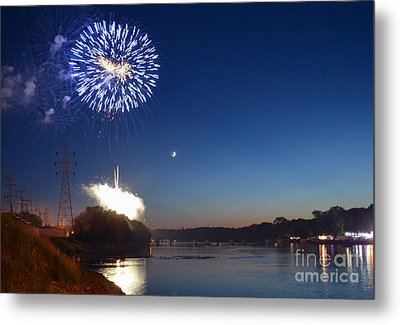 Sparkling Water  Metal Print by Sue Stefanowicz
