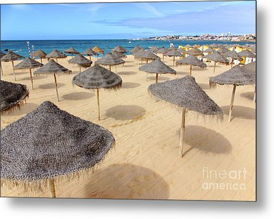 Straw Sunshades Metal Print by Carlos Caetano