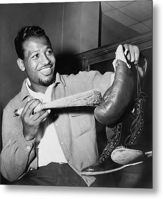 Sugar Ray Robinson Dusting Metal Print by Everett