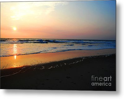 Metal Print featuring the photograph The Start Of A Good Day by Linda Mesibov