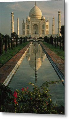 The Taj Mahal With A Reflection Metal Print by Ed George