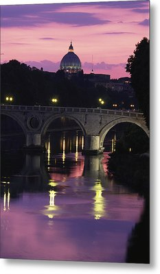 The Tiber River And The Dome Of St Metal Print by Richard Nowitz