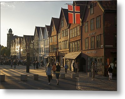 Tourists Walking In A Street In Bergen Metal Print by Michael Melford