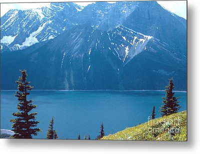 Metal Print featuring the photograph Upper Kananaskis Lake by Jim Sauchyn
