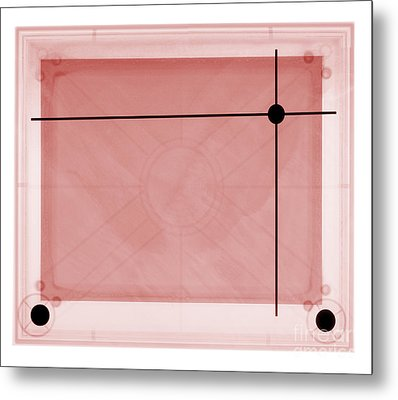 X-ray Of Etch A Sketch Metal Print by Ted Kinsman