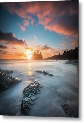 Metal Print featuring the photograph Pacific Sunset At Olympic National Park by William Lee