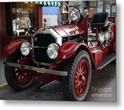 1917 American La France Type 12 Fire Engine Metal Print by Wingsdomain Art and Photography