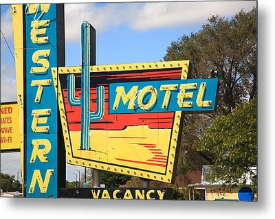 Route 66 - Western Motel Metal Print by Frank Romeo