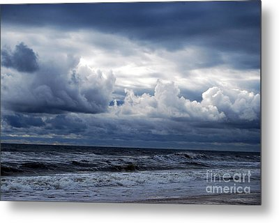 A Break In The Storm Metal Print
