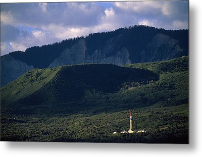 A Gas Drilling Rig At The Foot Metal Print