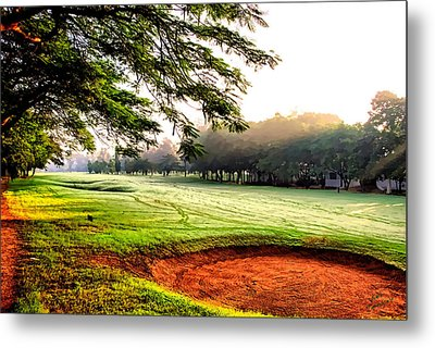 Metal Print featuring the photograph A Hazy Morning For Golf by Kathy Tarochione