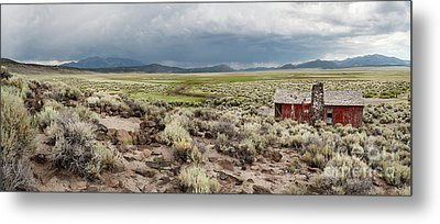 Metal Print featuring the photograph Abandoned Homestead by Melany Sarafis