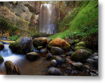 Afternoon Delight At Upper Bridal Veil Falls Metal Print by David Gn