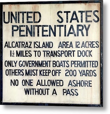 Alcatraz Welcome Sign Metal Print by Jon Neidert