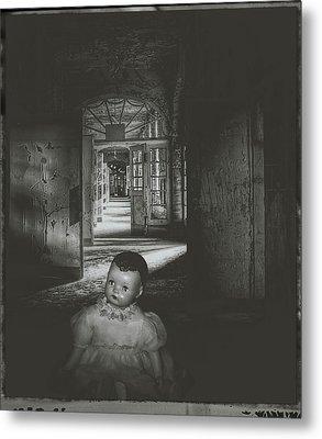 Alone In The Dark Metal Print by Cindy Nunn