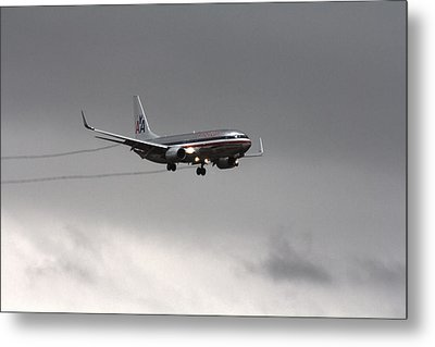 American Airlines-landing At Dfw Airport Metal Print