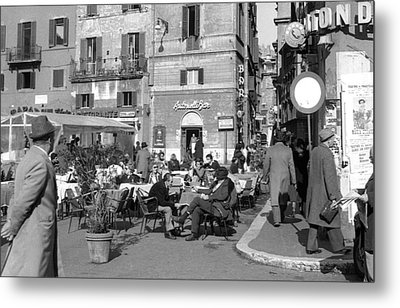 An Ordinary Day In Trastevere Metal Print by Emanuel Tanjala