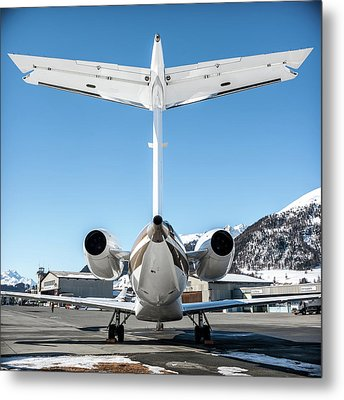 Back View Of This Embraer Legacy 600 Ok-sun Metal Print by Roberto Chiartano