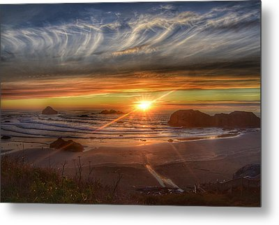 Metal Print featuring the photograph Bandon Sunset by Bonnie Bruno