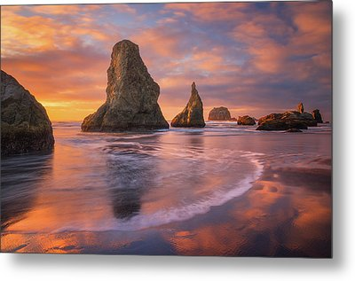 Metal Print featuring the photograph Bandon's New Years Eve Light Show by Darren White