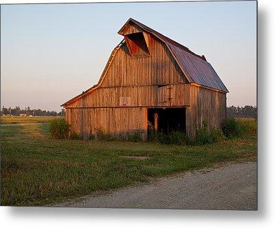 Barn At Early Dawn Metal Print by Douglas Barnett
