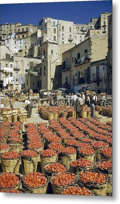 Baskets Filled With Tomatoes Stand Metal Print by Luis Marden