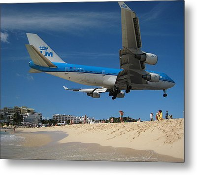 Beach Landing Metal Print by Michael Albright
