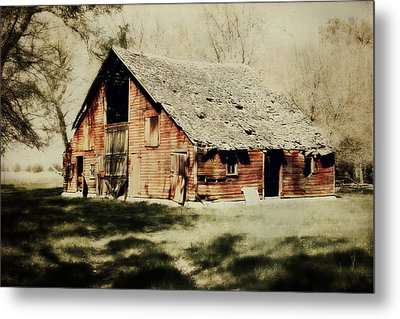 Beckys Barn 1 Metal Print by Julie Hamilton