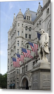 Benjamin Franklin Statue In Front Of The Old Post Office - Washington Dc Metal Print by Brendan Reals