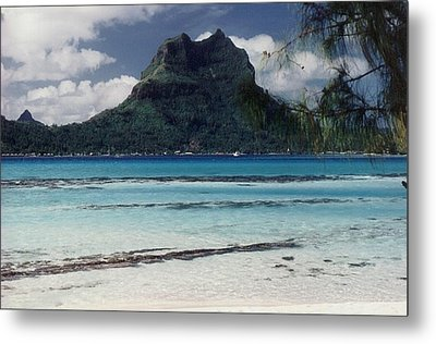 Metal Print featuring the photograph Bora Bora by Mary-Lee Sanders