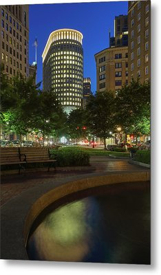 Metal Print featuring the photograph Boston Statler Park  by Juergen Roth