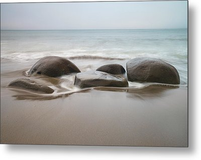 Metal Print featuring the photograph Bowling Ball Beach by Francesco Emanuele Carucci