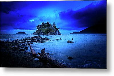 Metal Print featuring the photograph By The Light Of The Moon by John Poon