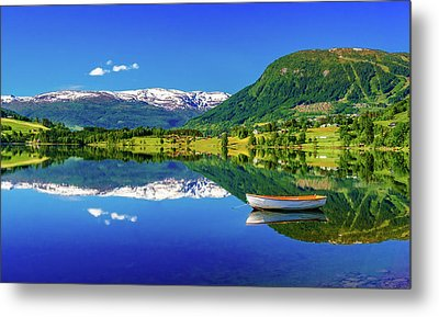 Metal Print featuring the photograph Calm Morning On Lonavatnet by Dmytro Korol