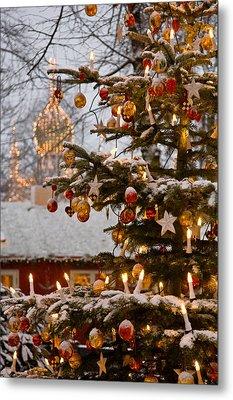 Christmastime At Tivoli Gardens Metal Print by Keenpress