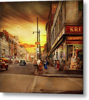 Metal Print featuring the photograph City - Amsterdam Ny - The Lost City 1941 by Mike Savad