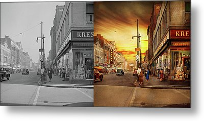 Metal Print featuring the photograph City - Amsterdam Ny - The Lost City 1941 - Side By Side by Mike Savad