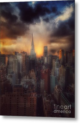 City Splendor - Sunset In New York Metal Print by Miriam Danar