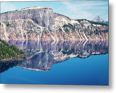 Metal Print featuring the photograph Cliff Rim Of Crater Lake by Frank Wilson